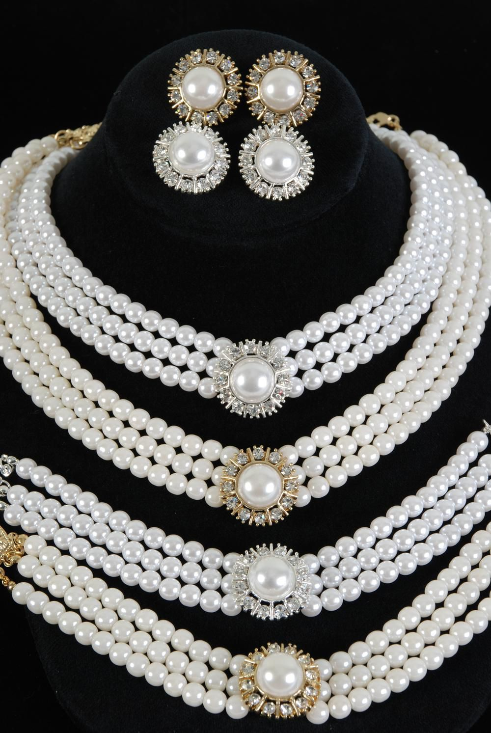 3pcs Necklace Set Round 3 String Pearl W Crystals Po