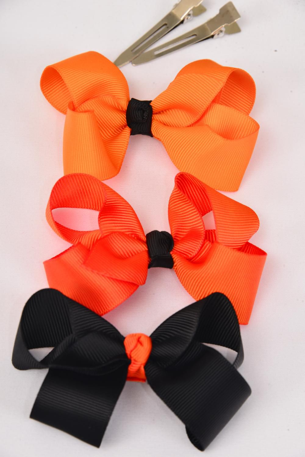 "Hair Bow Halloween Bow-tie 3""x 2"" WGrosgrain Fabric W Alligator Clip/DZ **Alligator Clip**  Bow-3""x 2"",4 of each color Mix,Display Card & UPC Code,W Clear Box"