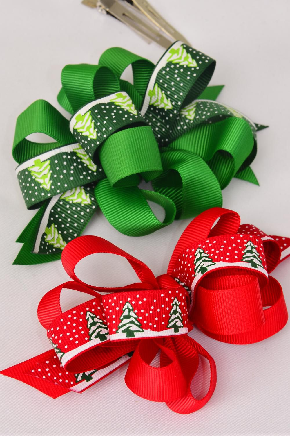 "Hair Bow Large Xmas Grosgrain Loop Bow Tree & Snows Alligator Clip/DZ **Alligator Clip** Bow Size-4.5 x 3.5"" Wide,6 Green & 6 Red Mix,Display Card & UPC Code,W Clear Box"