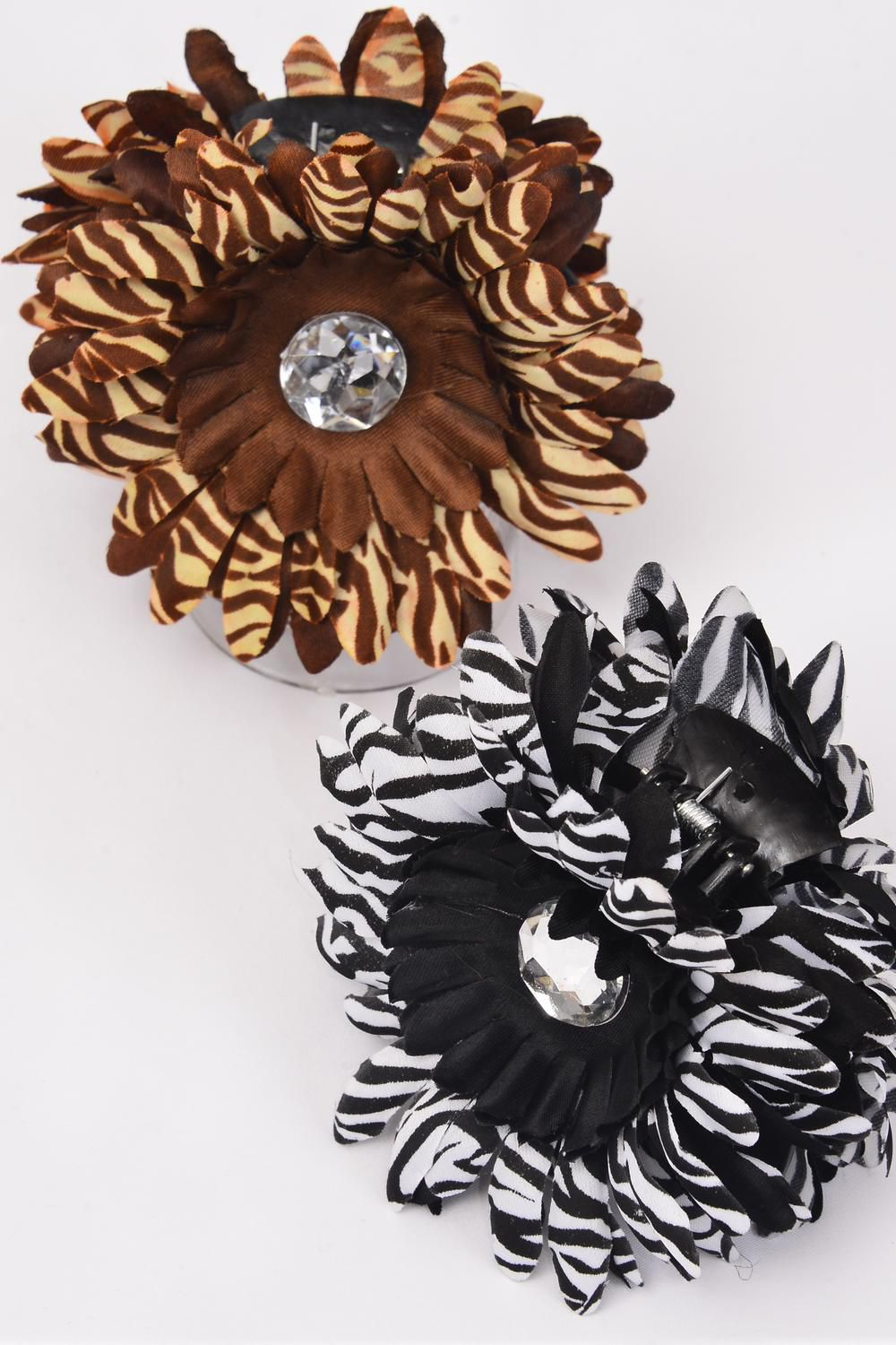"Jaw Clip Flower Daisy Zebra Print Mix/DZ Size- Flower 4"" Wide,Jaw Clip-3.5"" Wide,8 Black & 4 brown Mix,hang Tag & UPC Code,W Clear box-"