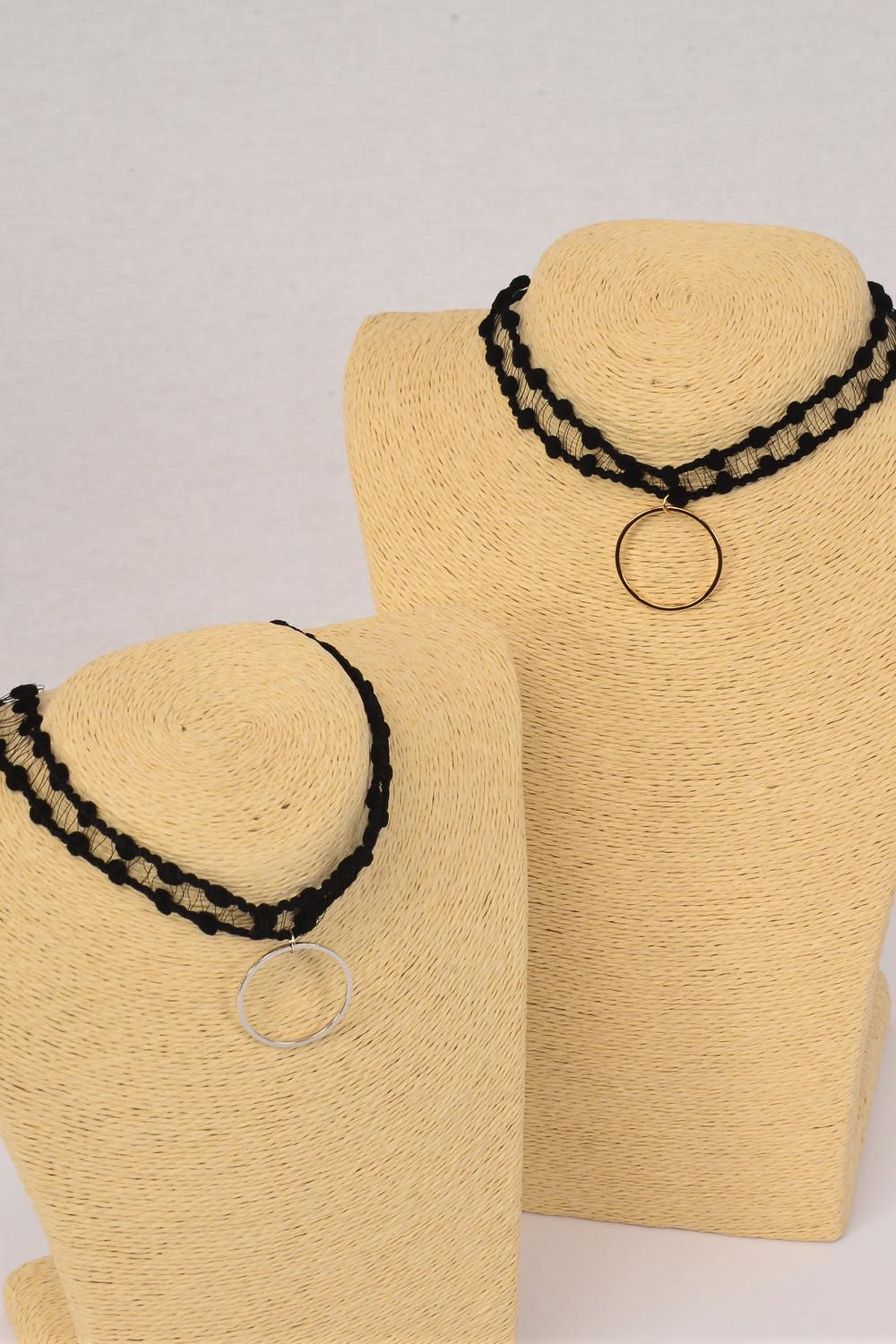 "Necklace Choker Lace Circle Pendant/DZ Width-1"",Size-14"" Extension Chain,6 Gold,6 Silver Asst,Display Card & OPP Bag & UPC Code"